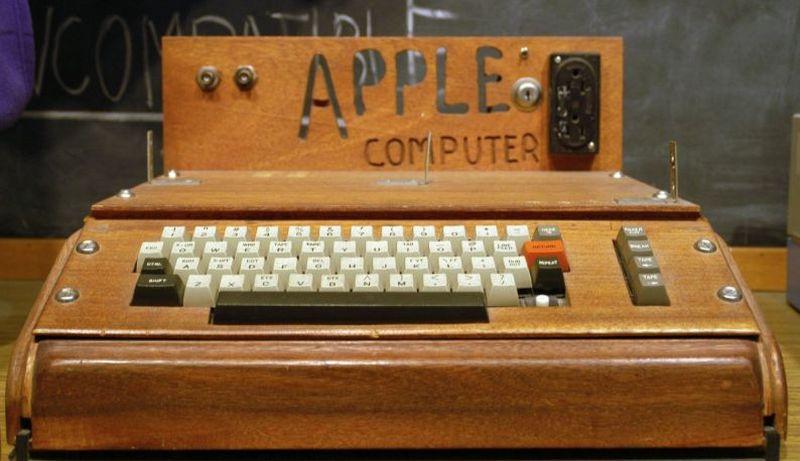 23. Это вдохновило будущих предпринимателей на создание Apple I — комплекта для сборки собственного