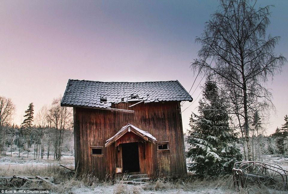 Этот снимок хижины дровосека в норвежском Эстфолле с красивейшим светом был сделан, когда землю покр