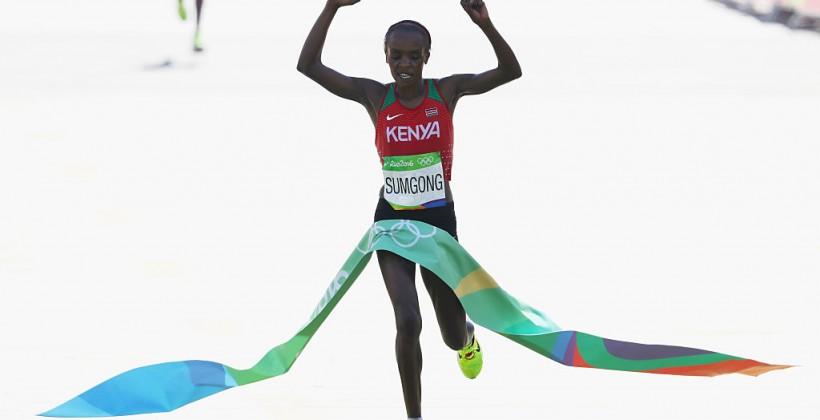 Кенийка Сумгонг стала олимпийской чемпионкой вмарафоне