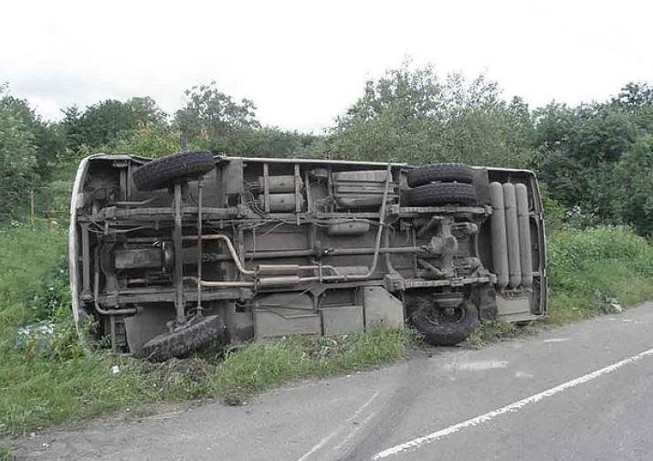 Автобус спассажирами вылетел вкювет под Тулой— посчитать пострадавших неудалось