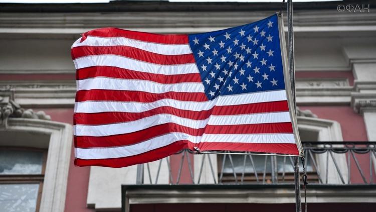 Таможенники США начали проверять соцсети иностранцев
