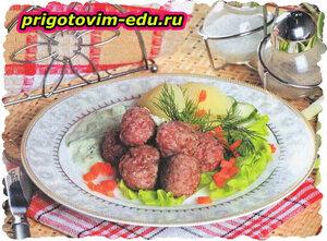 Фрикадельки с огуречным соусом