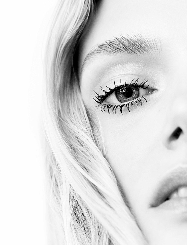 Lily Donaldson for L'Express Styles by Horst Diekgerdes