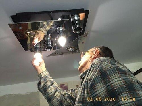 Ставим новые лампочки