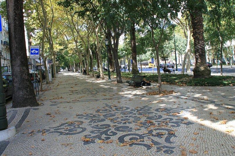 Лиссабон, проспект Свободы (Lisbon, Liberty Avenue)