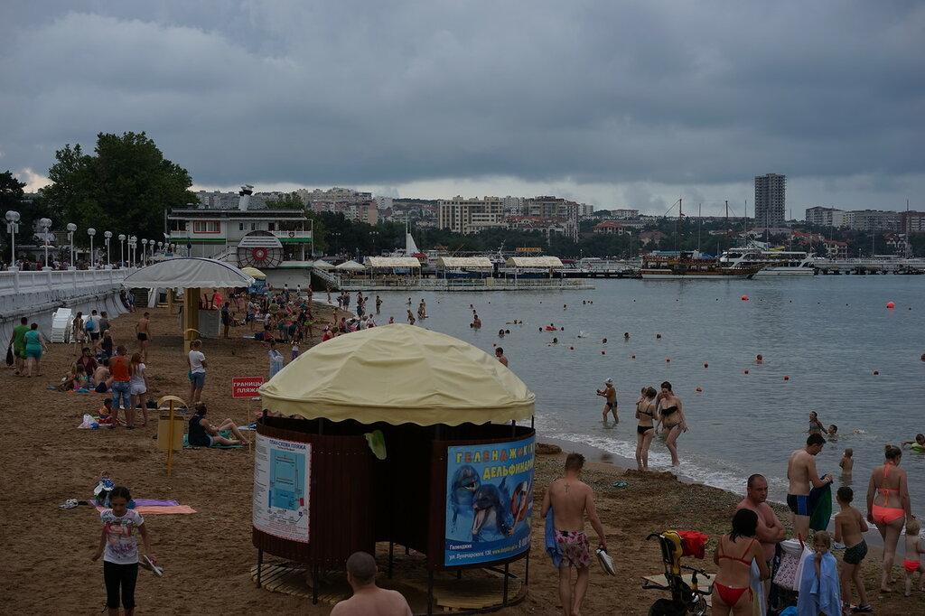 Геленджик. Песочный пляж.
