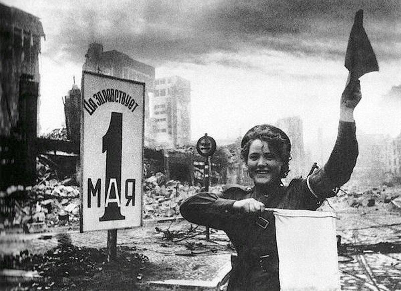 Фотография Е. Халдея(1917 - 1997)Фотохудожник Победы (75).jpg