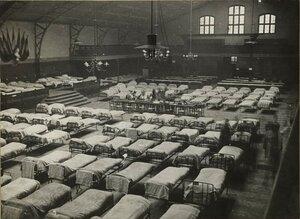 1914. Госпиталь в манеже