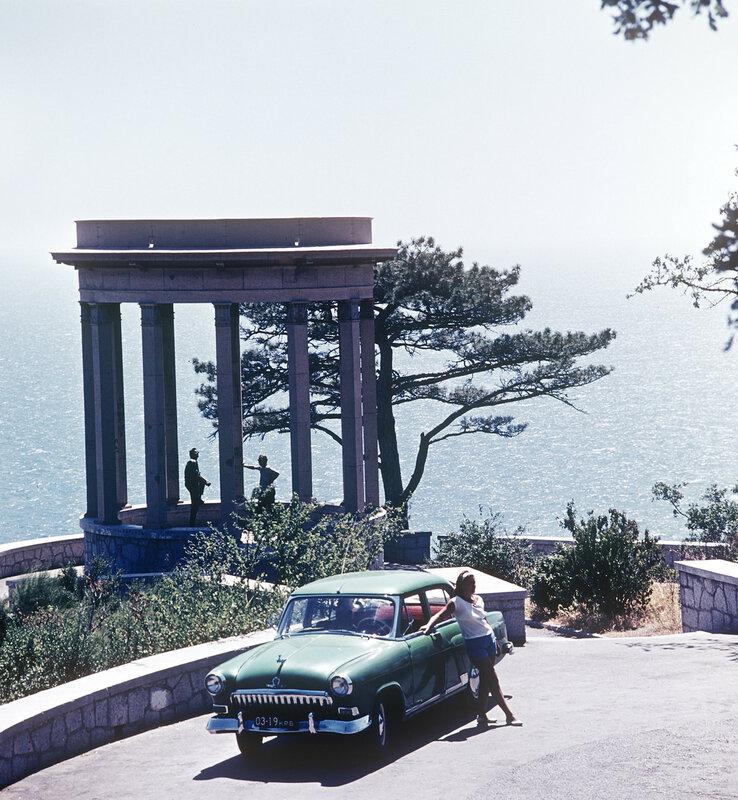 1966 Серебряная беседка на горе Пендикюль. РИА Новости, Израиль Озерский.jpg