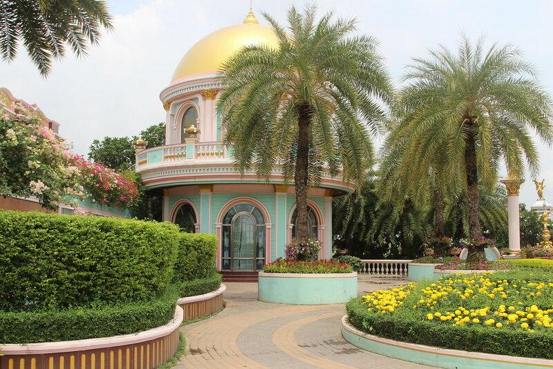 дворец Баан Сукхавади Baan Sukhawadee