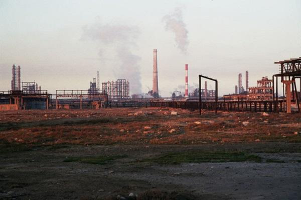 Сумгаит — одна из наиболее загрязненных территорий постсоветского пространства. В советское время в