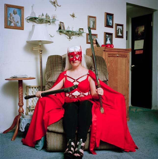 2. Хизер, 35 лет, Орем, штат Юта Имя персонажа: Алая фурия Биография персонажа: валькирия, уставшая