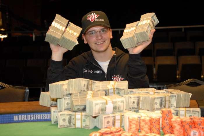 Однако Робер был необыкновенно хорош в покере. Поступив в Гарвардскую школу бизнеса благодаря презен