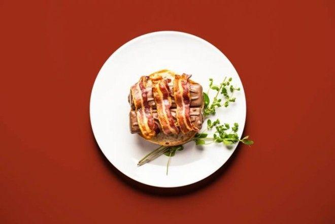 Бекон + батончики Mars + хлеб = беконово-марсовый бургер. Сосиски с джемом