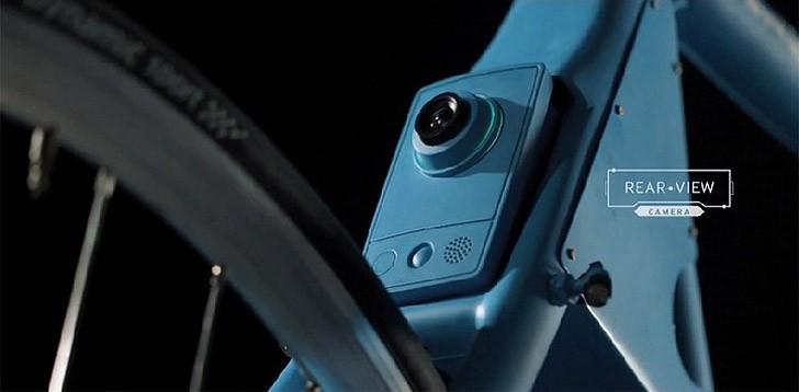5. Зато камера заднего вида — это и правда нужное решение: многие велосипедисты согласятся, что зерк