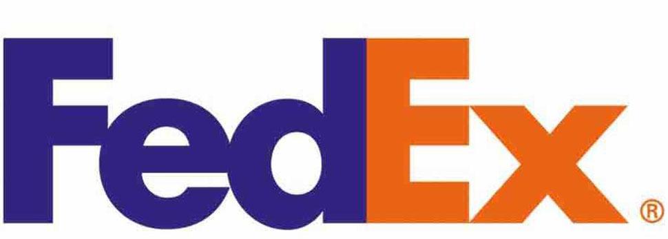 Логотип американской почтовой службы FedEx скрывает стрелу, которая символизирует движение вперед и