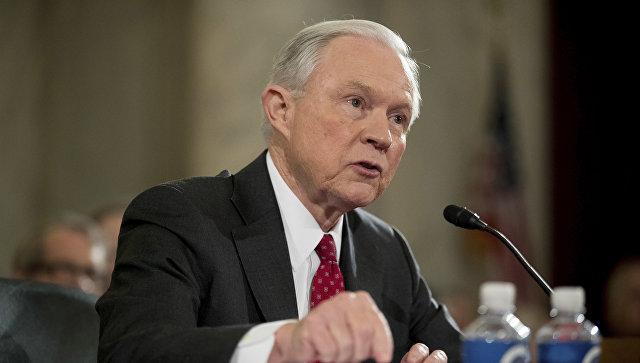 Министр юстиции США скрыл контакты с русским послом отКонгресса