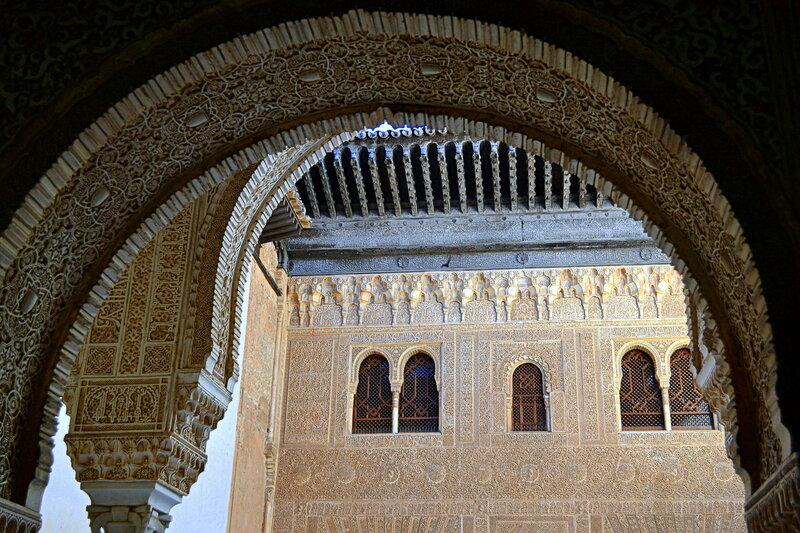 Декоративное убранство арок