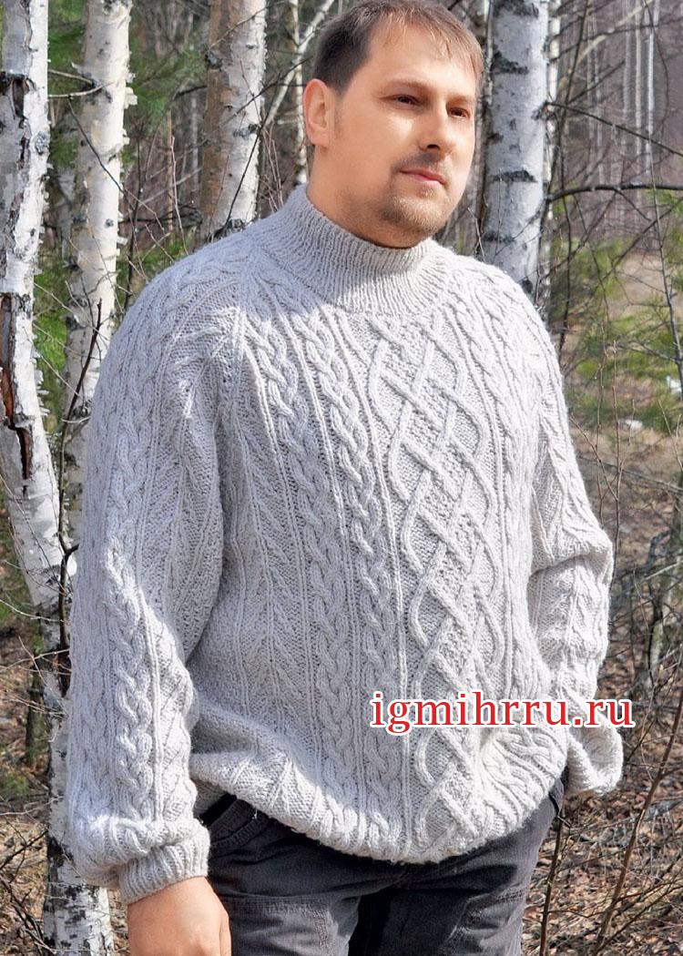 Для крупного мужчины. Белый свитер с арановыми узорами. Вязание спицами