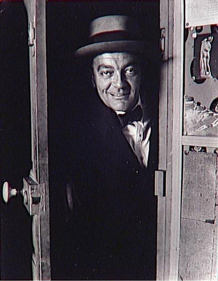 1931. Ганс Райхель в дверях моей комнаты в гостинице «Терраса»