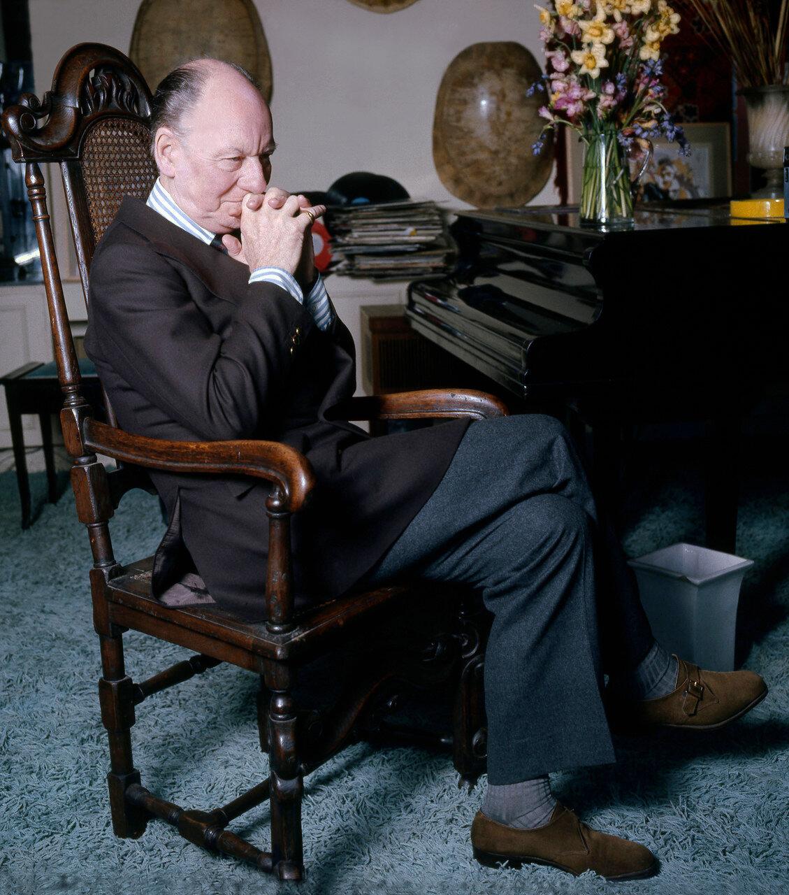 Джон Гилгуд (1972)