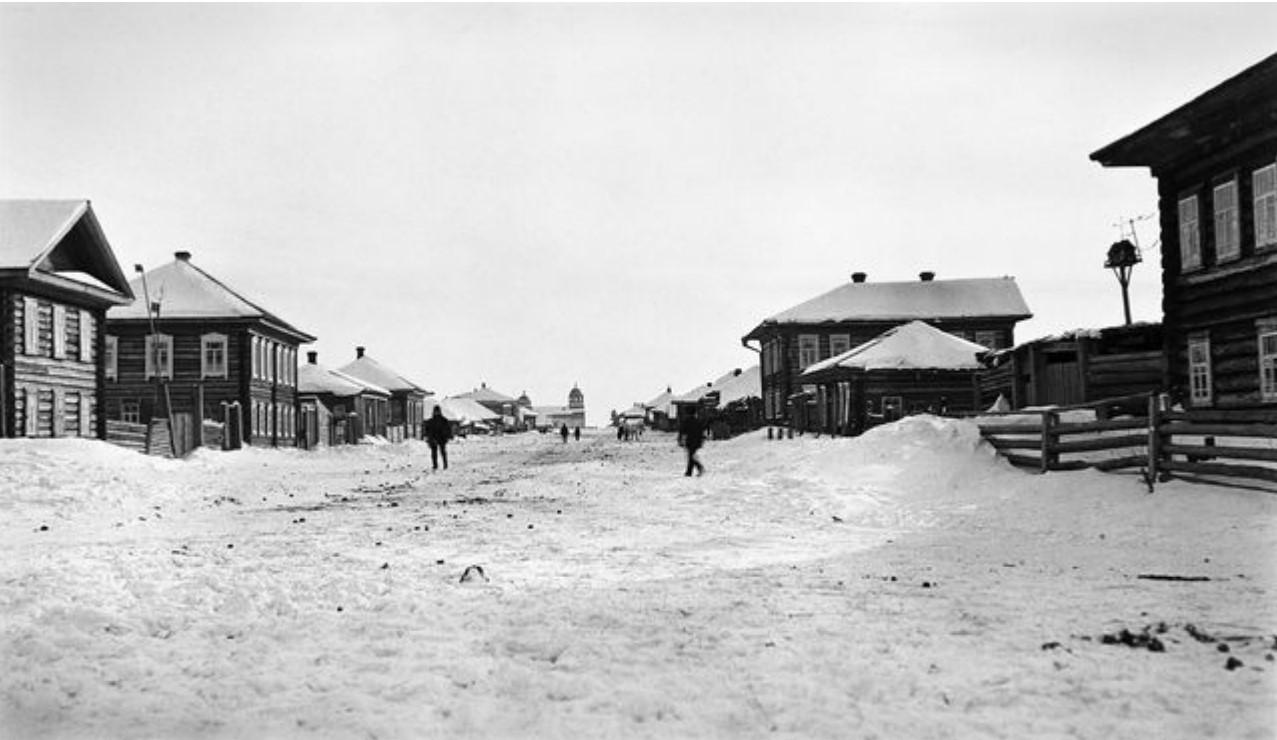 Нарым. Главная улица зимой