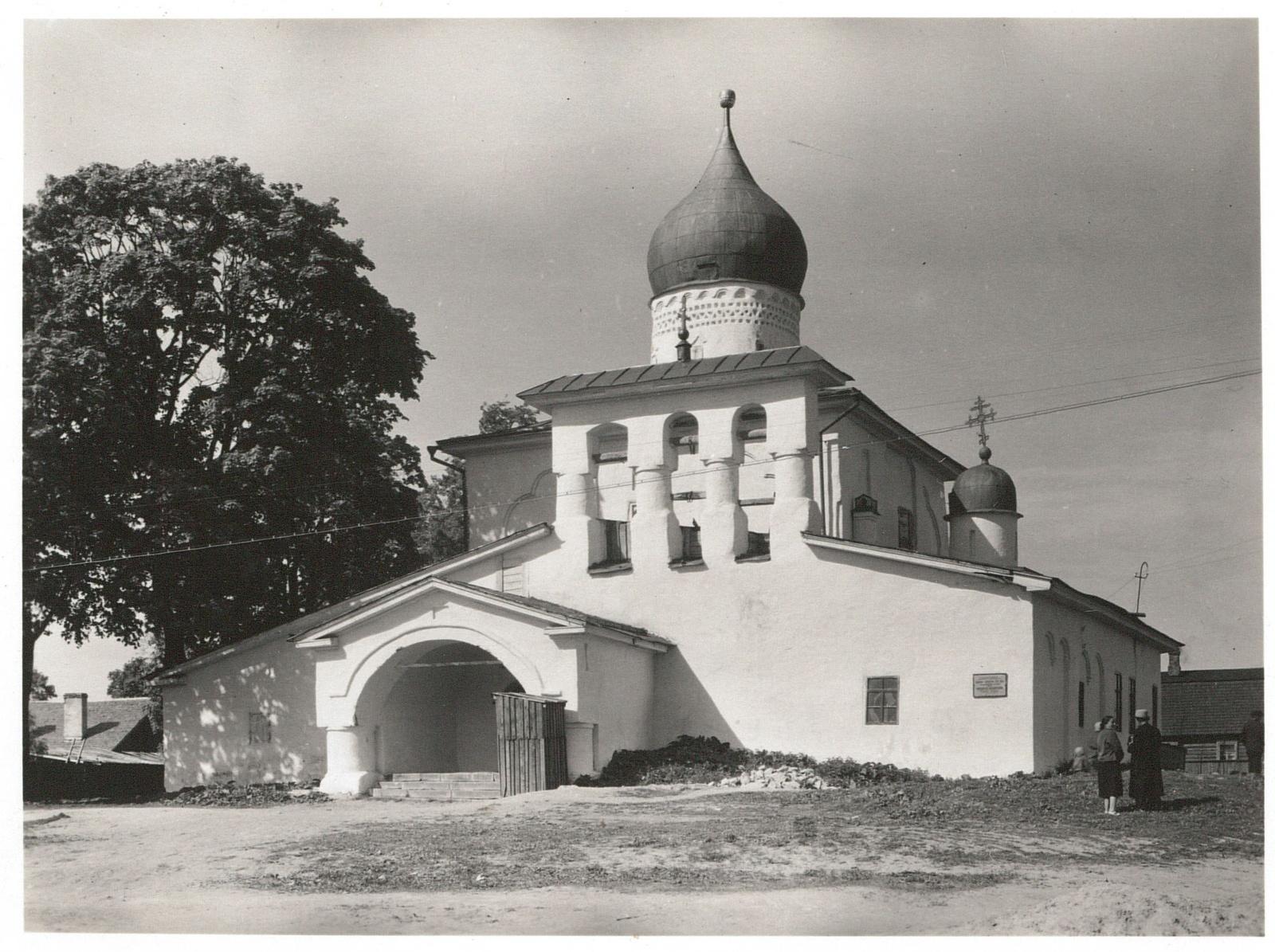 Псков. Воскресенская церковь