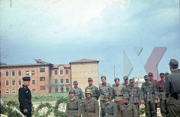 stock-photo-karl-mucher-hinrich-deinert-graves-pomezia-italy-1944-26th-panzerdivisionsnachrichtenabteilung-panzer-krim-shield-camo-8887.jpg