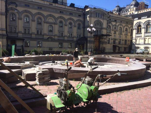 Ко Дню Независимости возле Оперного театра в Киеве заработает фонтан