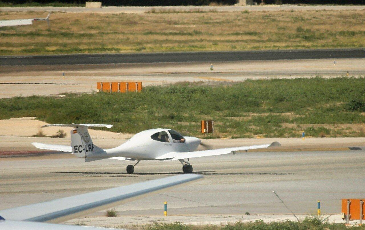 Airport Malaga-Costa del Sol. Diamond DA40 EC-LRF
