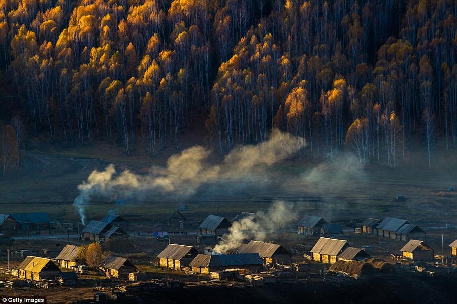 9. Осенняя красота в деревне Хему на северной границе Синьцзянь-Уйгурского автономного округа, где м