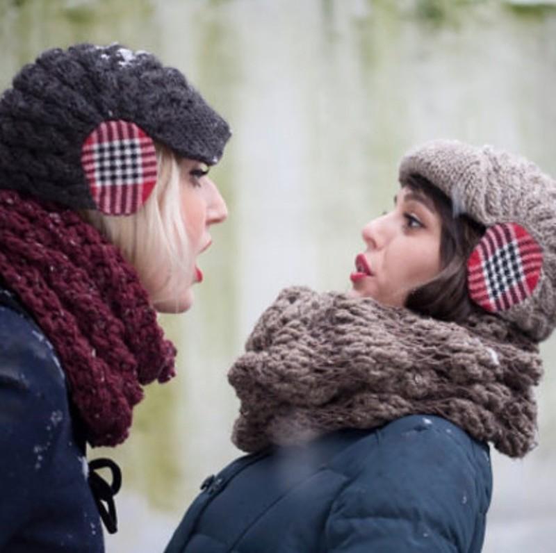 10. В такой шапке с «наушниками» ваши уши точно не замерзнут.