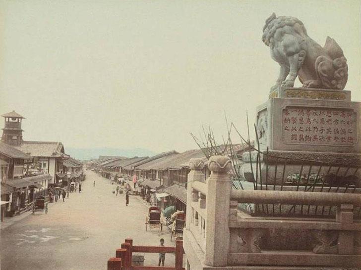 Киото в 1886 году. Улица Сидзё-дори и прилегающая местность стали одними из самых популярных мест ср