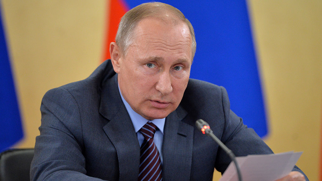 Путин поздравил Табакова соткрытием новейшей сцены театра