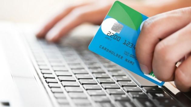 Банки смогут брать комиссию заснятие наличных вбанкоматах, Visa позволила