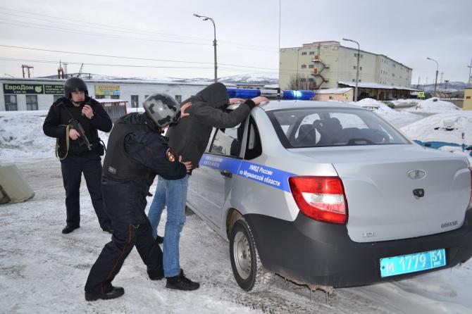 ВЧите работники Росгвардии задержали похитителей украшений