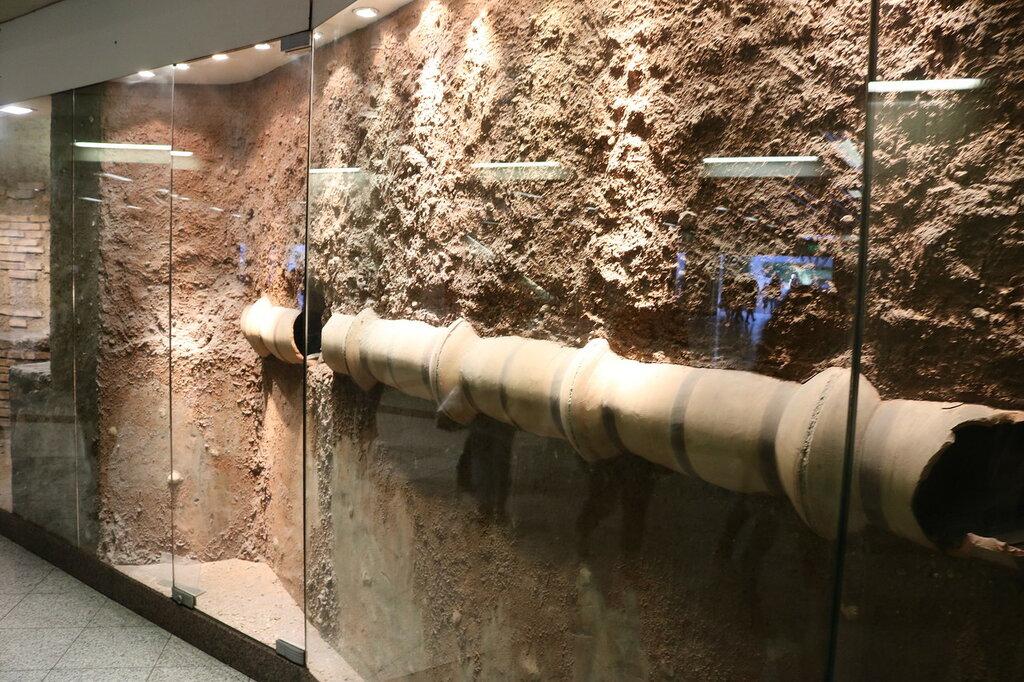 Музеи в метро Афин