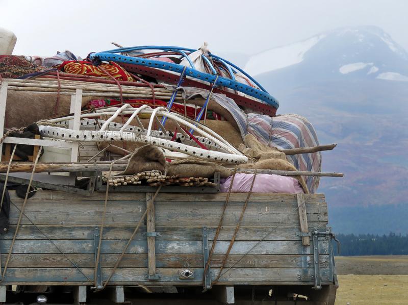 Таван-Богд. Часть 3: назад в большой мир по долине Кобдо