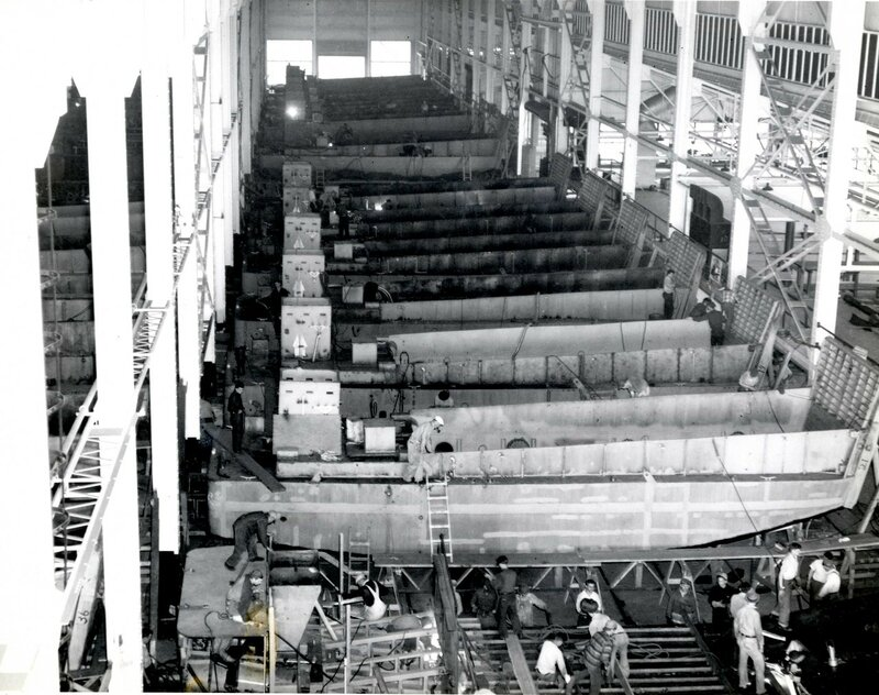 PD-126_LCM-3-Tank-Lighter_production.jpg