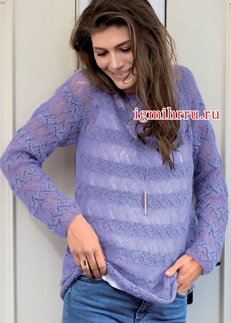 Воздушный ажурный пуловер в полупрозрачную полоску. Вязание спицами