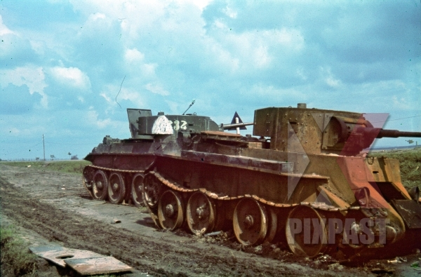 stock-photo-russian-bt7-panzer-tank-343-village-verba-near-dubno-ukraine-67th-or-68th-tank-regiment-part-of-4-t352-destroyed-9490.jpg