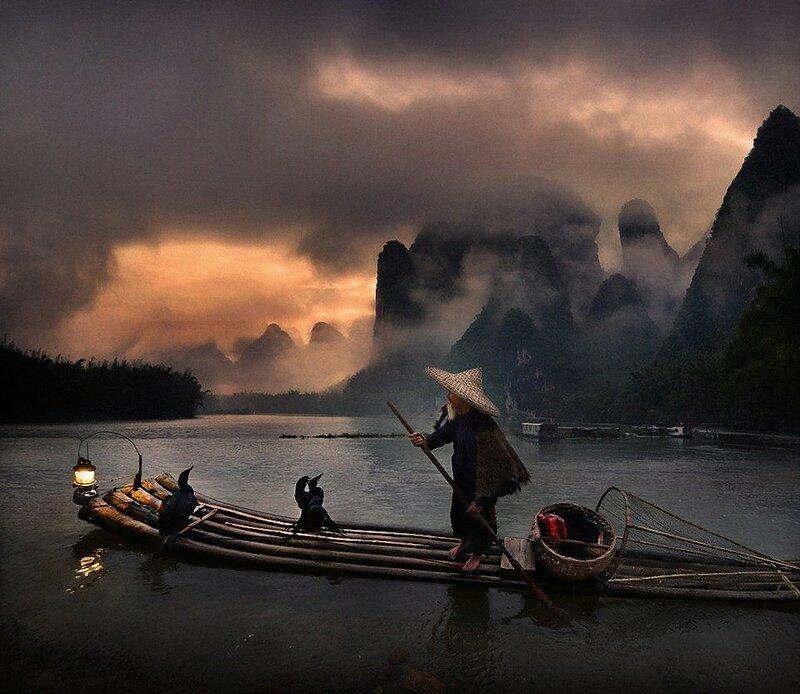 Рыбак на реке Ли в Китае