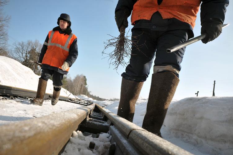 В Сургутском районе работники железной дороги расстреляли и сожгли монтера путей