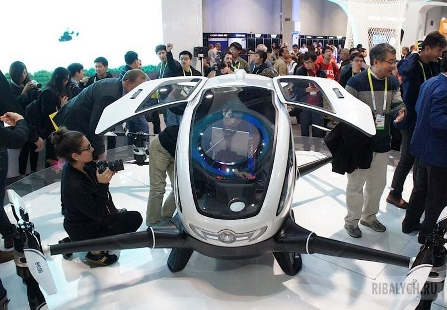 Помните фильм: «Гостья из будущего» ? В общем встречаем Ehang 184 пассажирский беспилотник