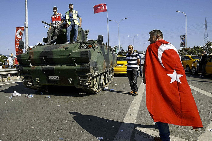 ВТурции полицейских посадили на10 месяцев заоскорбления Эрдогана