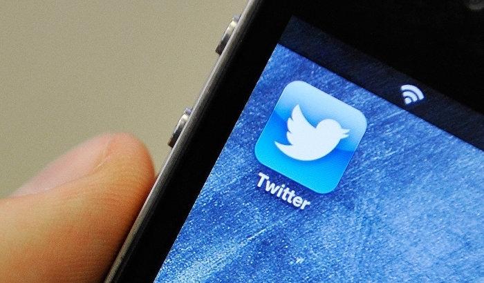 Социальная сеть Twitter увеличивает борьбу соскорблениями