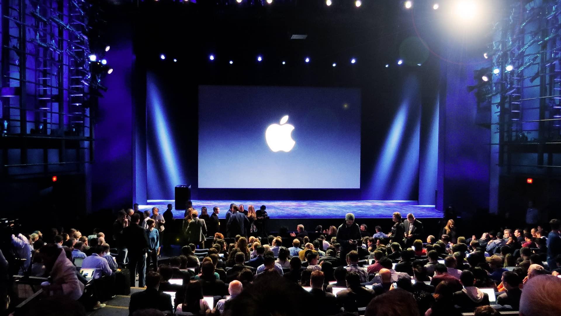 Apple наняла специалиста NASA для работы над проектами, связанными сдополненной реальностью