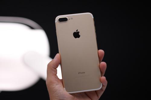 IPhone 8 поступят впродажу в наборе снаушниками AirPods