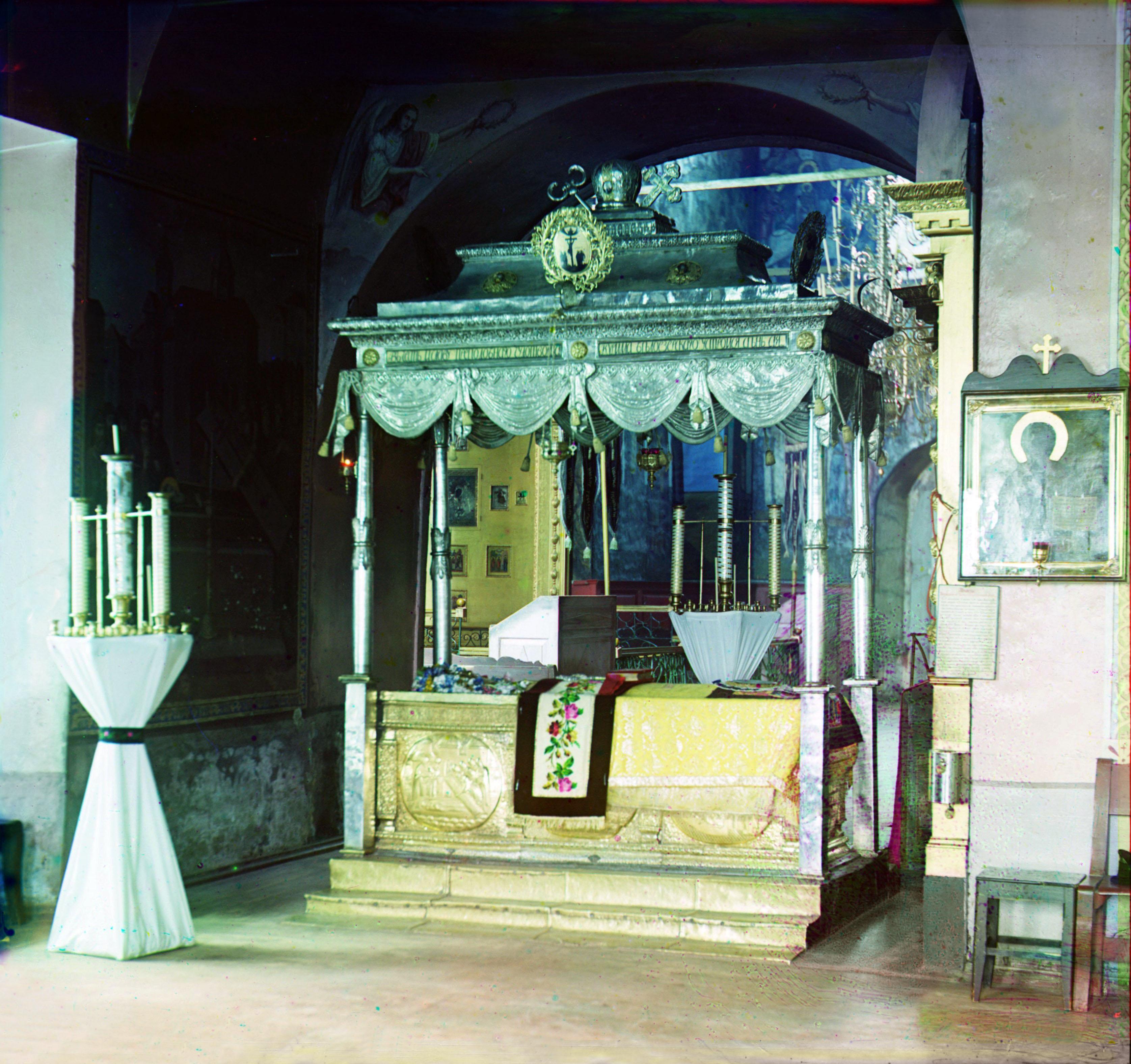 Кирилло-Белозерский монастырь. Рака Преподобного Кирилла в церкви св. Кирилла Белозерского