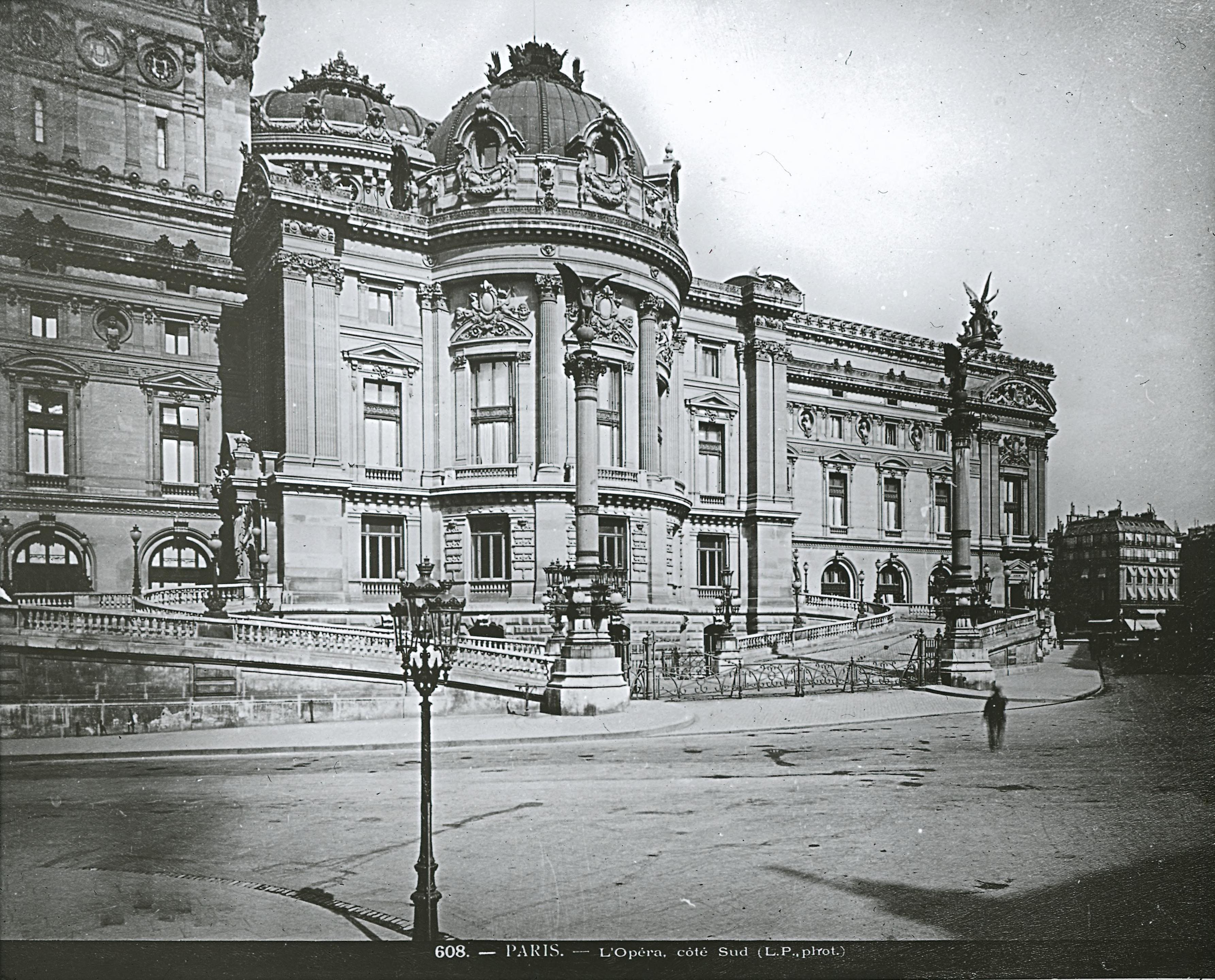 Опера. Императорский вход. Чарльз Гарнье. 1861-74